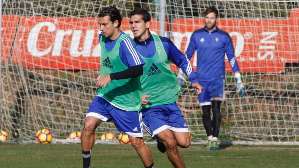 """Mantecón durante un entrenamiento en la Ciudad Deportiva """"El Rosal"""""""