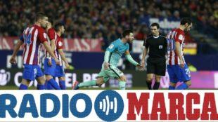 Messi celebra su gol en el Vicente Calder�n