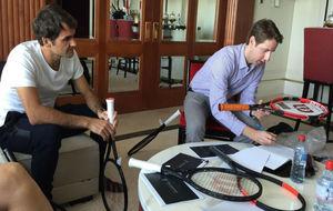 Federer, con su nueva raqueta