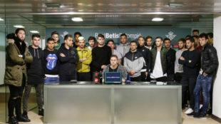 La plantilla del Betis, en la sala de prensa del Villamar�n