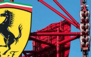 Una imagen del Acelerador Vertical, la atracción estrella de Ferrari...