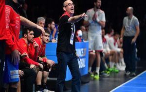 Jordi Ribera dando instrucciones durante un partido del Mundial