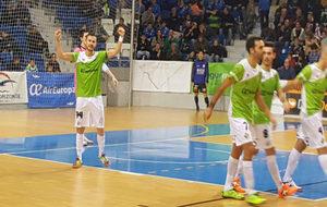 Paradynski celebra uno de sus dos goles ante el Ríos Renovables.