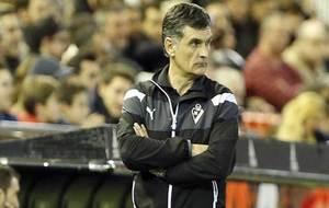 Mendilibar, durante el encuentro ante el Valencia.
