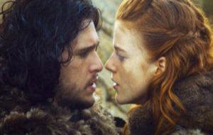 Jon Snow (Kit Harington) e Ygritte (Rose Leslie)