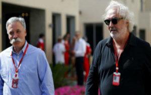 Flavio Briatore, con Dave Carey, en el GP de Abu Dabi del a�o pasado.