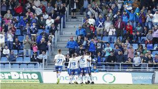 Los jugadores del Tenerife celebran un gol en el Heliodoro Rodríguez...