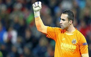 Sergio Asenjo en un partido con el Villarreal