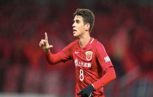 Oscar celebra el gol que abrió la victoria del SIPG ante el Sukhotahi...