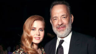 Amy Adams y Tom Hanks
