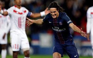 Cavani celebra su gol al PSG.