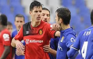 Héctor Yuste se encara con Héctor Verdés en el pasado partido en...