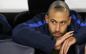Mascherano, en el banquillo del Camp Nou.