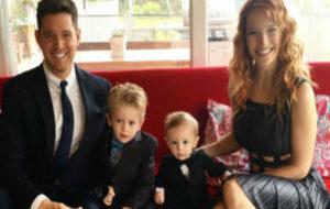 Michael Bublé, Luisana Lopilato y sus hijos Elias y Noah