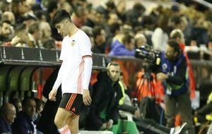 Car,los Soler abandona abatido Mestalla.