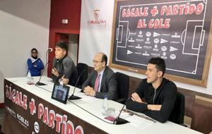 Joaqu�n Correa, Jos� Castro y David Soria, durante el acto en el...