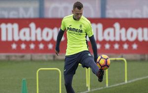 El jugador en un entrenamiento del Villarreal.