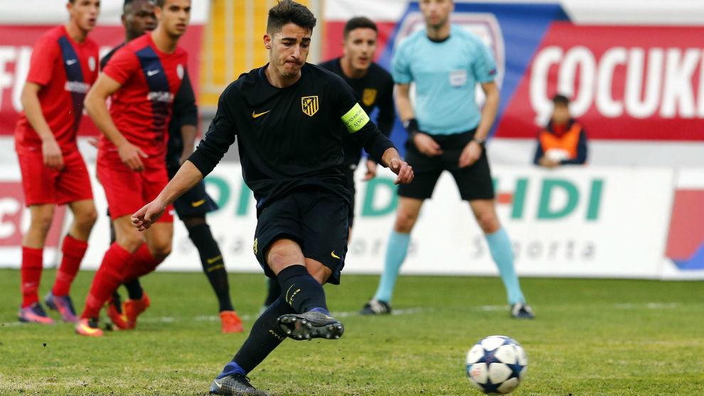 Toni Moya adelanta al Atlético de penalti ante el Altinordu