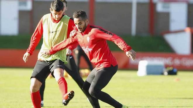 Douglas y Nacho Cases, en un entrenamiento del Sporting.