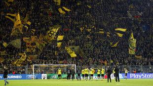 Los aficionados del Borussia durante una eliminatoria de Champions