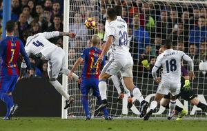 Ramos marca el gol ante el Barcelona