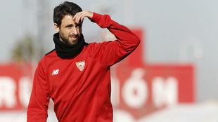 Nico Pareja, en un entrenamiento reciente del Sevilla.