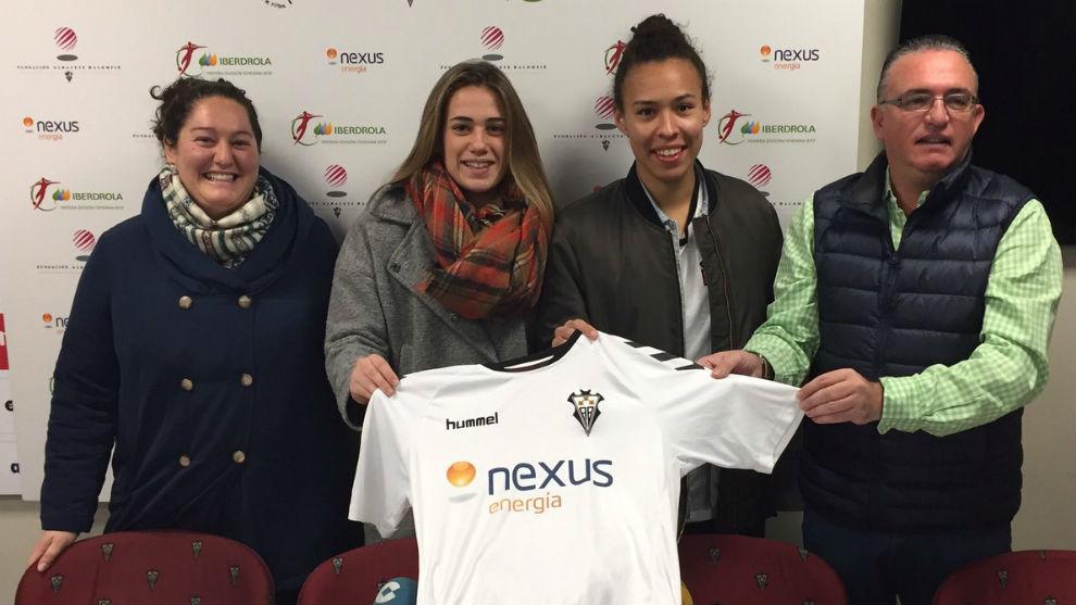 Milagros Martínez junto a María Sanjuan y Yannel Correa en la...