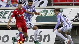 Manu del Moral, en una acción del encuentro ante el Valladolid de...