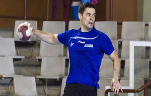 Ángel Fernández durante un entrenamiento con la selección.