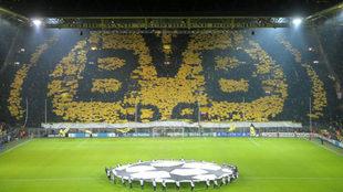 El 'muro amarillo' en un partido de Champions.