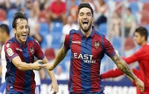 Jason celebra junto a Espinosa uno de los goles al Zaragoza que...