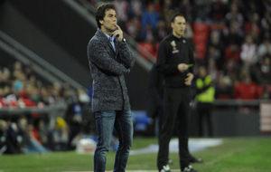 El entrenador del Sporting en un partido contra el Athletic.