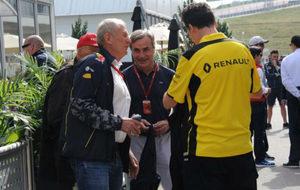 Niki Lauda, Helmut Marko, Carlos Sainz y Federico Gastaldi en el GP de...