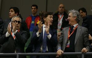Villar junto a Alejandro Blanco y José Ramón Lete.