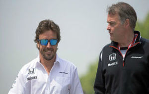Fernando Alonso y Dave Redding, en el pasado GP de China.