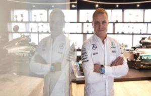 Valtteri Bottas, durante su presentaci�n con Mercedes