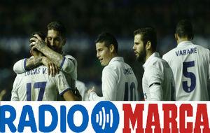 Los jugadores del Real Madrid celebran un gol en El Sadar