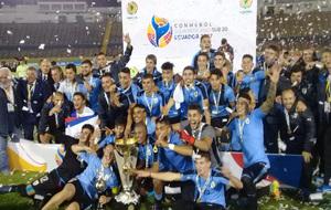 Los jugadores Sub'20 de Uruguay celebrando el campeonato