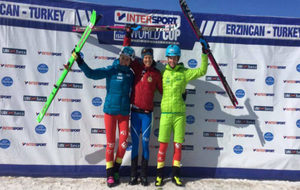 Claudia Galicia, Laetitia Roux y Marta García, podio femenino en la...