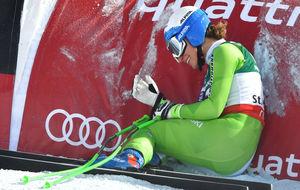 Ilka Stuhec reacciona tras saberse campeona del mundo de descenso.