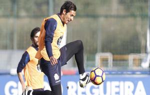 Borges controlando un balón durante un entrenamiento.