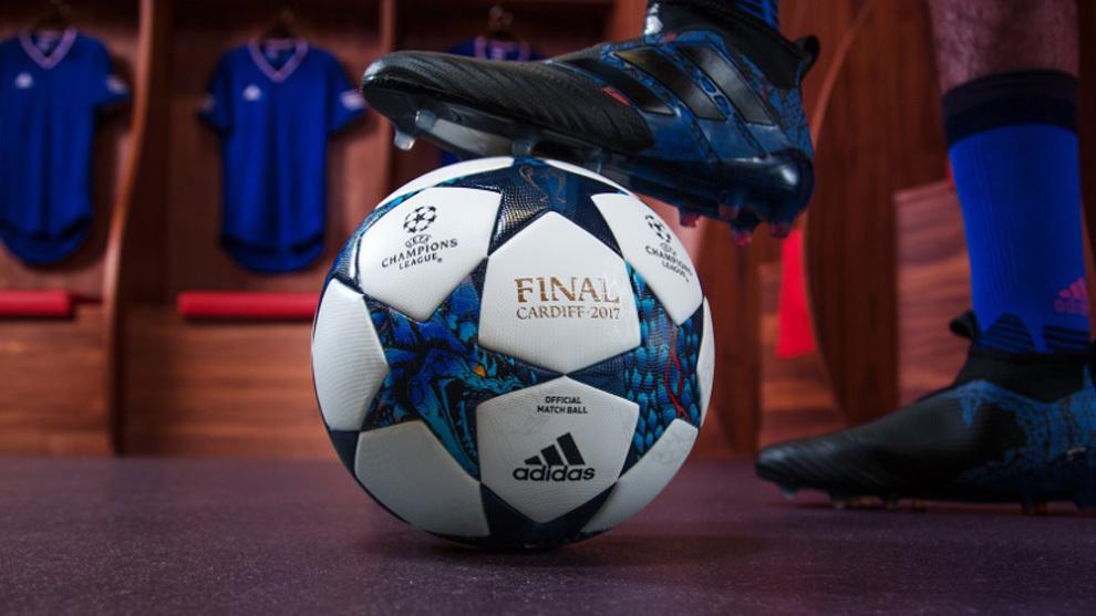 Champions League  Adidas presenta el nuevo balón para la Champions ... 5681a7e5bf99a
