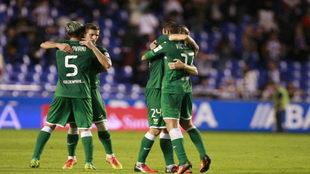 Mantovani, Rubén Pérez, Víctor Díaz y Timor se abrazan tras la...