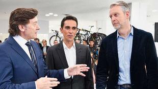 Alberto Contador durante la presentación de los equipos de la...