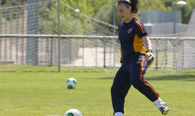 Elena de Toro durante un entrenamiento con la selección española.