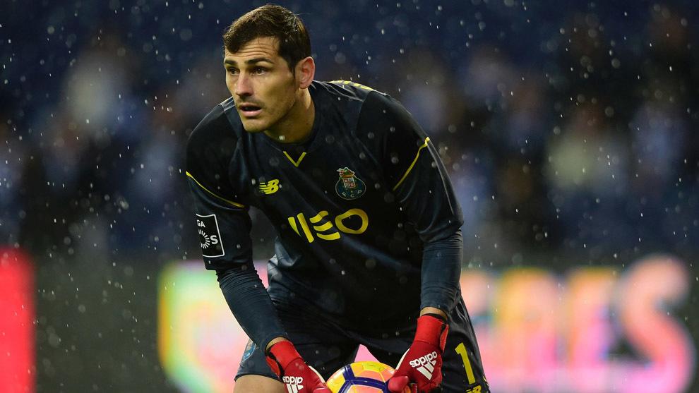 Iker Casillas en un partido con el FC Oporto