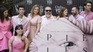 El reparto de 'Pieles', dirigida por Eduardo Casanova...