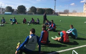 Los jugadores del Alcoyano durante el entrenamiento de esta mañana.