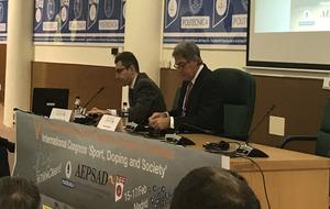 Enrique Gómez Bastida, director general de Aepsad, y David Howman