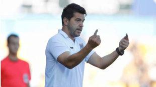 Cosmin Contra en su etapa como entrenador del Alcorcón